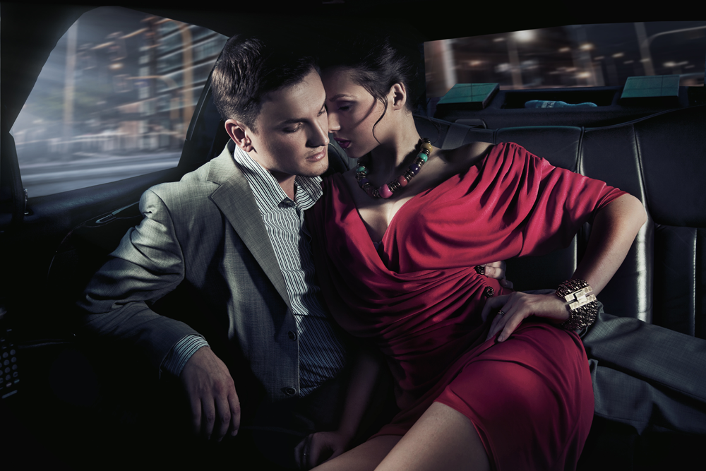 Фото пары в машине